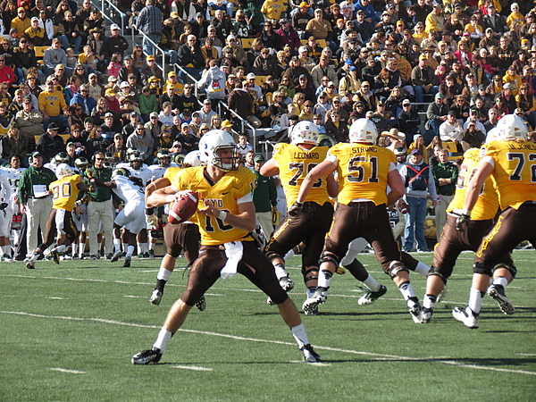 Several Wyoming Football Players Receive Honors