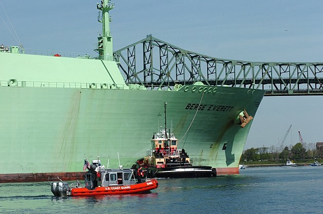Liquified Natural Gas Ship Enters Boston