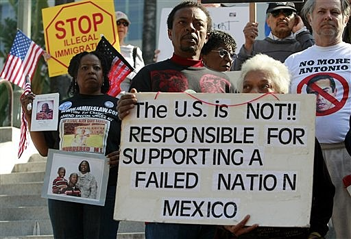 pro amnesty illegal immigration Should the government allow immigrants who are here illegally to become us citizens.