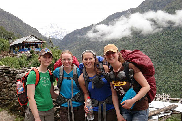 UW students in Nepal