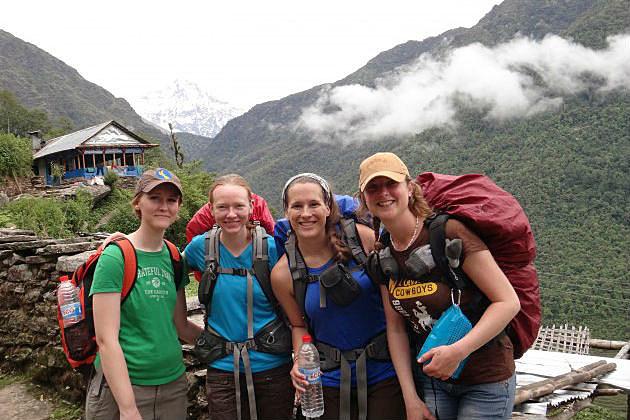 UW students in Nepal