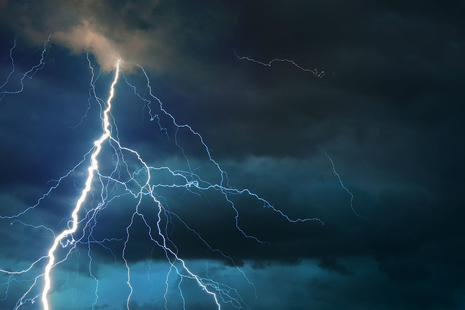 Severe Thunderstorm Warning Issued for Albany, Laramie Counties | KGAB